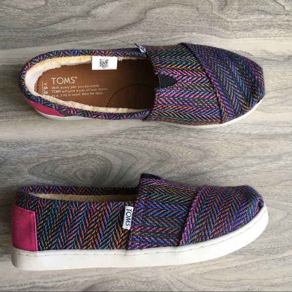 f495116a7d7 Toms colorful slip-on shoes 7